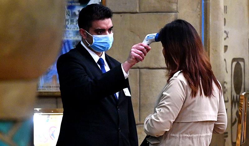 Lo ngại dịch bệnh Vũ Hán lây lan mạnh trong dịp năm mới, nhiều nước đã có các biện pháp khẩn cấp (ảnh 3)