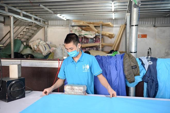 Vải sửu dụng là loại vải không dệt QL40.