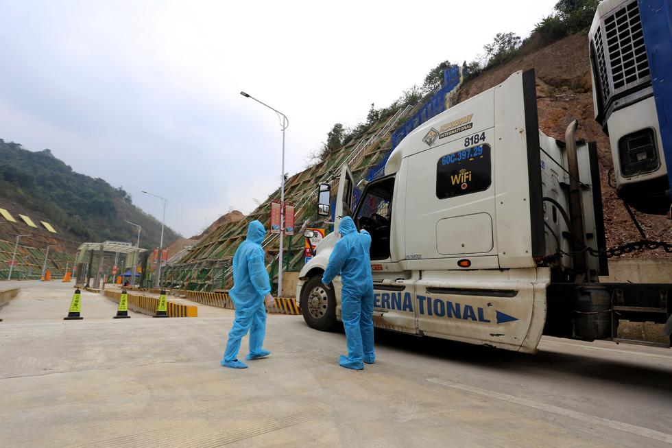 Bà Rịa-Vũng Tàu Phát hiện 4 tài xế container 'sốt, ho' nghi nhiễm Covid-19, doanh nghiệp từ chối hợp tác 2