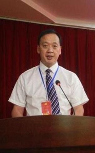 Ông Lưu là giám đốc của bệnh viện Vũ Xương tại thành phố Vũ Hán, tâm chấn của dịch bệnh COVID-19. Các quan chức y tế xác nhận ông đã qua đời vì bị lây nhiễm virus tại nơi làm việc vào khoảng 11 giờ sáng 18/2.