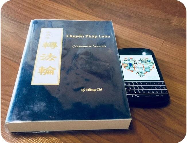 Bài viết giải nhất review sách 'Cuốn sách mới cho 1 năm mới đầy hứng khởi' - Chuyển Pháp Luân