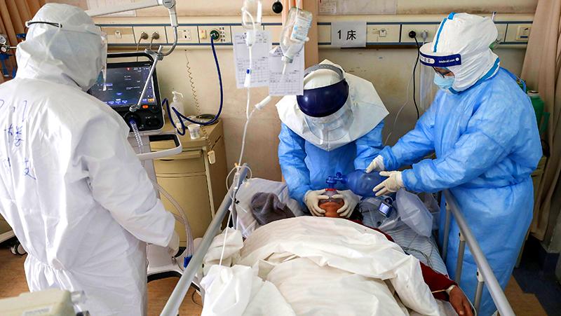 Bác sĩ mô tả về cảm giác kinh hoàng trước khi chết của bệnh nhân viêm phổi Vũ Hán (ảnh 1)
