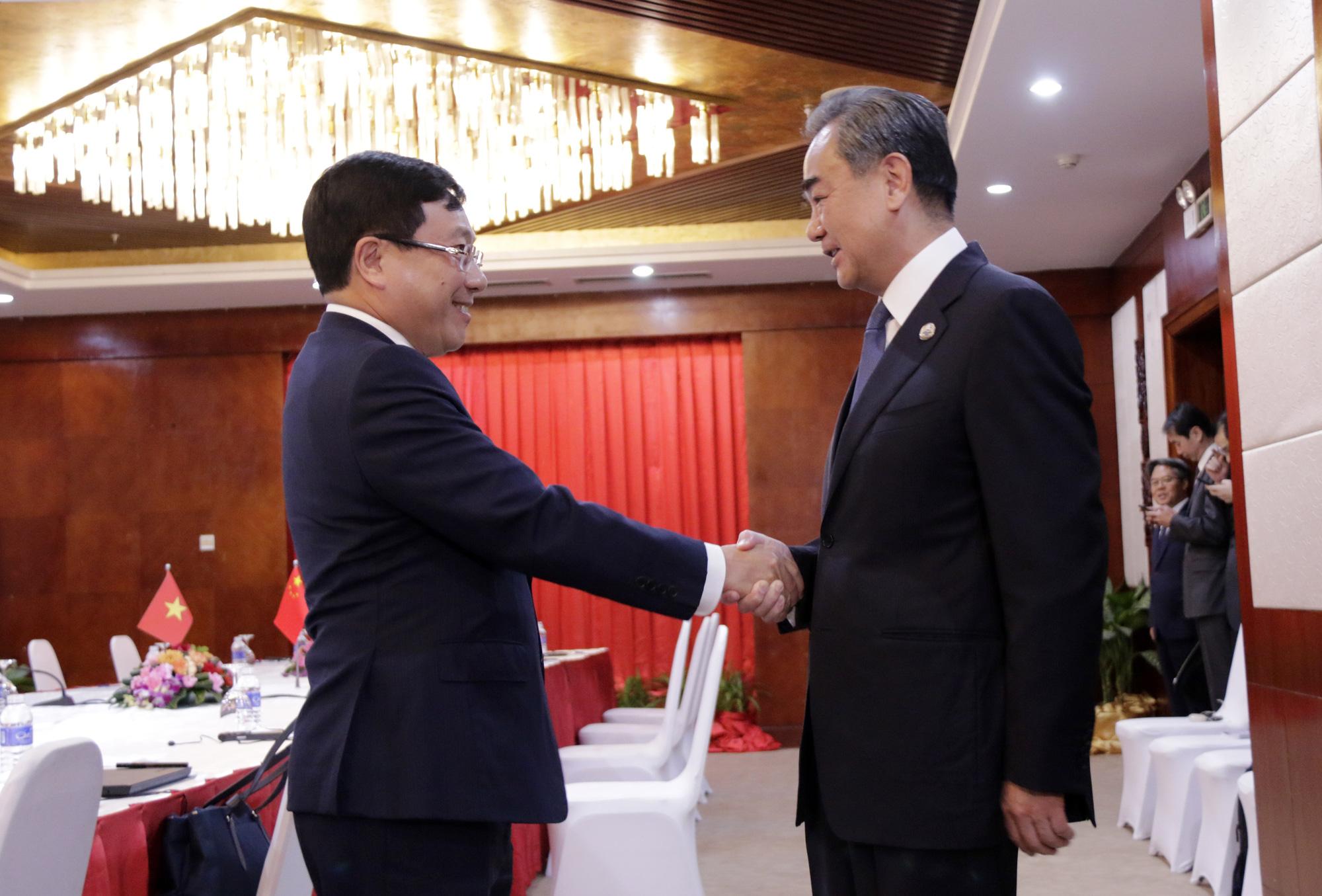 Bộ trưởng Ngoại giao Trung Quốc Vương Nghị đề nghị Việt Nam sớm khôi phục việc đi lại của công dân Trung Quốc sang Việt Nam.