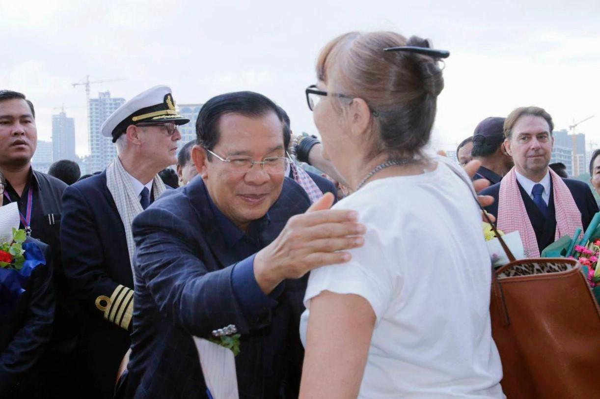 Bộ Y tế Campuchia bác tin Thủ tướng Hun Sen bị nhiễm virus corona