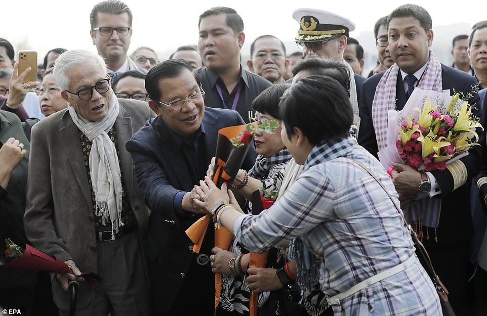 Bộ Y tế Campuchia bác tin Thủ tướng Hun Sen bị nhiễm virus corona - ảnh 2