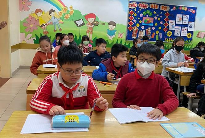Bộ Y tế Học sinh không cần đeo khẩu trang tại trường, nhiều phụ huynh bất an
