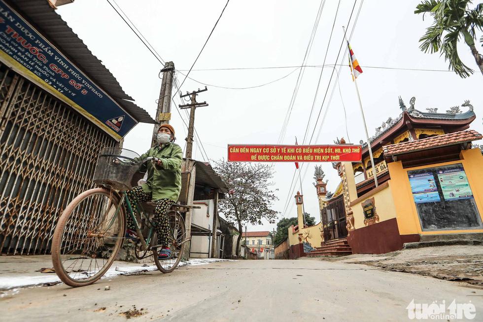 Tỉnh Vĩnh Phúc quyết định cách ly hơn 10.000 dân xã Sơn Lôi, huyện Bình Xuyên phòng dịch nCoV lây lan. (Ảnh qua tuoitre)