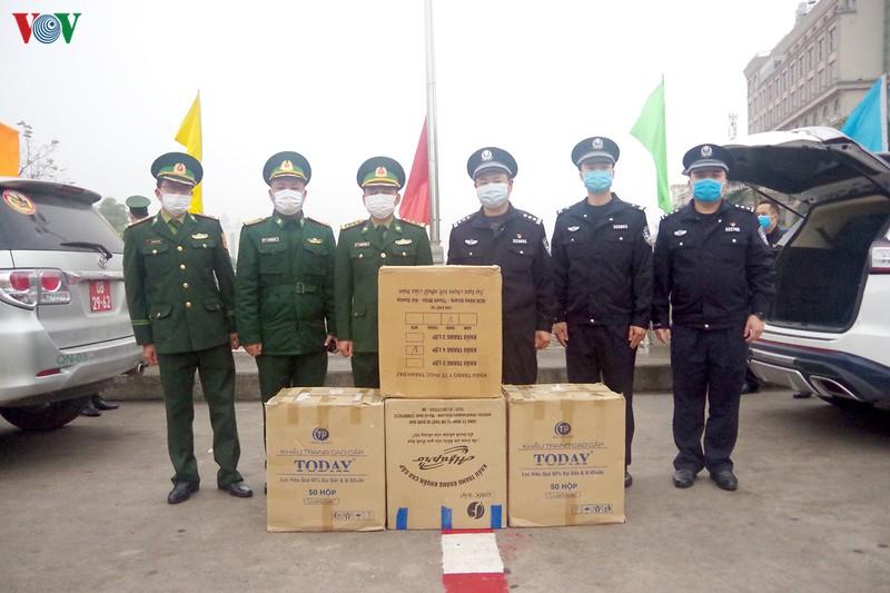 Chính phủ Việt Nam viện trợ 11 tỉ đồng giúp Trung Quốc chống dịch virus corona -ảnh 3