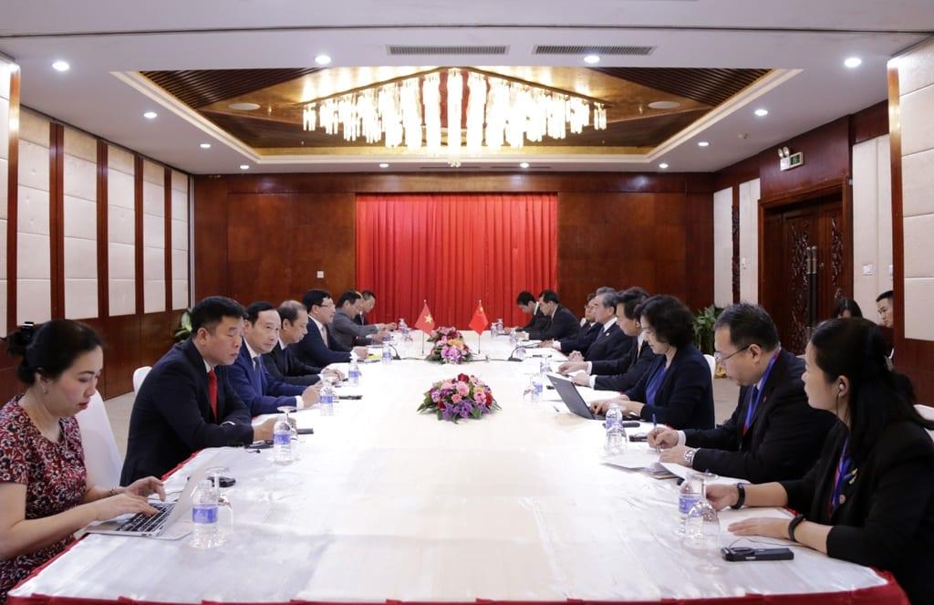 Buổi gặp gỡ giữa Phó Thủ tướng, Bộ trưởng Ngoại giao Phạm Bình Minh gặp gỡ Bộ trưởng Ngoại giao Trung Quốc Vương Nghị. (Ảnh qua trithuc)