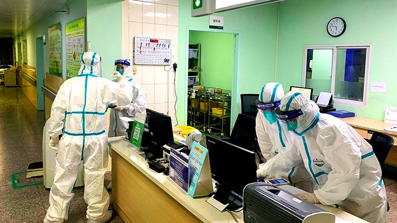 Học giả Trung Quốc: Tỷ lệ tử vong của dịch viêm phổi gấp 5 lần so với công bố của chính quyền (ảnh 1)
