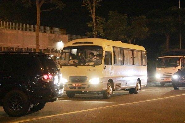 Đoàn khách Hàn Quốc không chịu cách ly đã rời Đà Nẵng lên máy bay về nước - ảnh 4