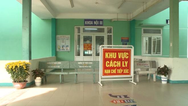 Đoàn khách Hàn Quốc không chịu cách ly đã rời Đà Nẵng lên máy bay về nước - ảnh 2