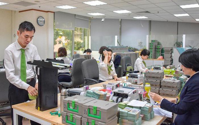 NHNN yêu cầu đưa tiền mới vào lưu thông phòng lây nhiễm dịch nCoV. (Ảnh qua cafef)