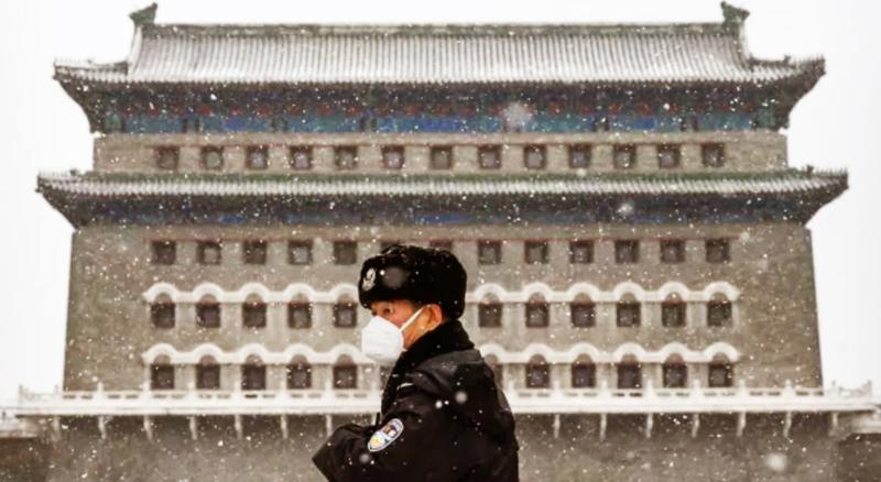 Dich bệnh bùng phát khiến Trung Quốc rơi vào khủng hoảng nghiêm trọng, nhưng chính quyền lại che giấu thông tin, tung tin giả khiến tình hình càng thêm mất kiểm soát.