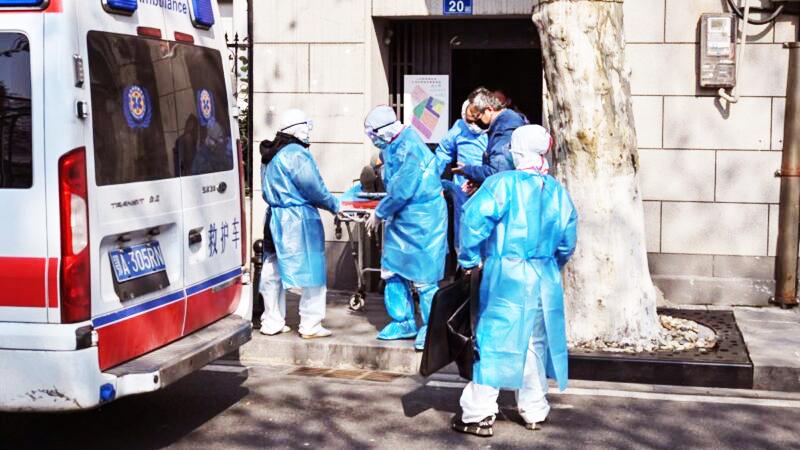 14 lò hỏa táng trong Nhà tang lễ Hán Khẩu, Vũ Hán đang hoạt động suốt ngày đêm, chờ người chết từ nhiều bệnh viện khác nhau.