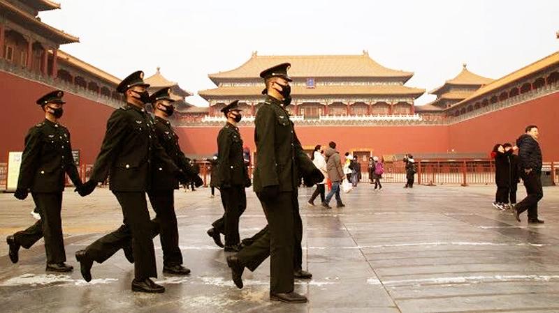 cơ quan tình báo Hoa Kỳ tiết lộ, một số quan chức Trung Quốc có dấu hiệu xây dựng kế hoạch thoát hiểm khẩn cấp.