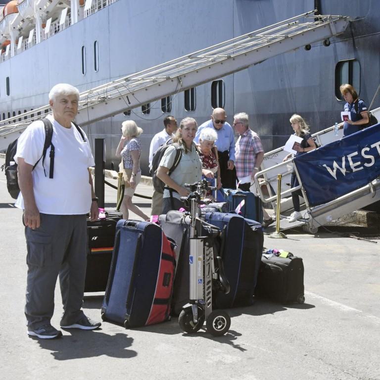 Khẩn cấp truy tìm hơn 1.000 du khách trên du thuyền cập cảng Campuchia 5