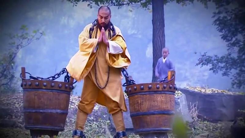 """Hòa thượng trong phim Trung Quốc chỉ đơn giản là mấy ông """"trọc đầu"""" giỏi... đánh lộn, trước khi đánh nhau, mấy hòa thượng ấy hô một câu """"A Di Đà Phật"""" rồi bay tới tấn công đối thủ"""