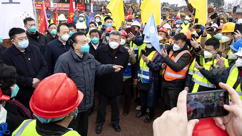 Hoa Xuân Oánh 'lỡ miệng' nói ra việc chính quyền che giấu tình hình dịch bệnh (ảnh 3)