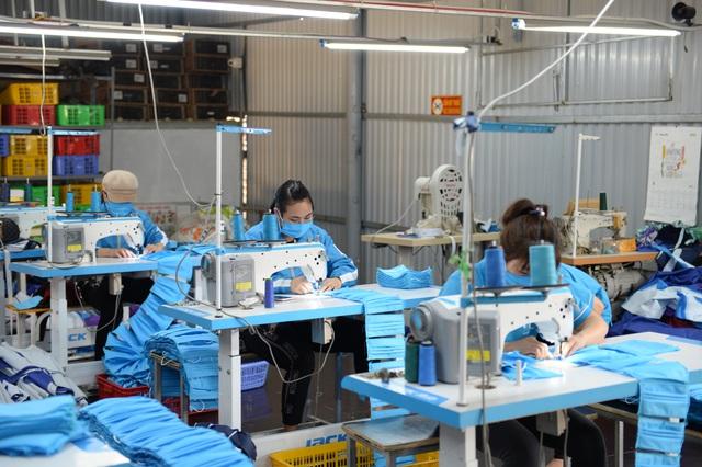 hiện tại trung bình mỗi ngày có thể sản xuất được khoảng 3000 chiếc.