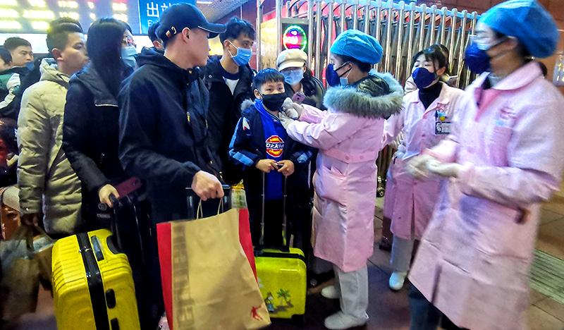 Thành phố Nam Xương đóng cửa: Mỗi gia đình chỉ cho 1 người ra ngoài 2 ngày 1 lần (ảnh 2)