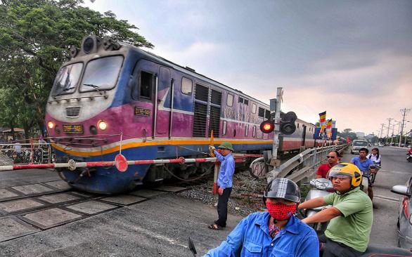 11.000 lao động không có lương, đường sắt nguy cơ dừng hoạt động. (Ảnh qua tuoitre)