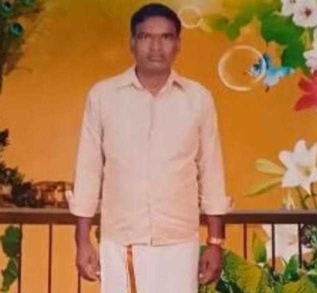 Bala Krishna, 50 tuổi, sống tại bang Andhra Pradesh, Ấn Độ