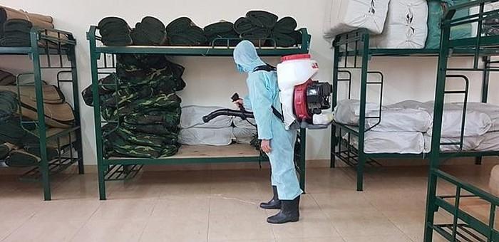Hà Nội hoàn tất việc phun khử khuẩn để đón tiếp, cách ly và theo dõi gần 1.000 công dân Việt Nam trở về từ các quốc gia và vùng lãnh thổ có dịch bệnh. (Ảnh qua netnews)