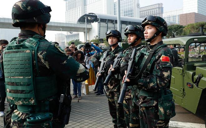 Quân đội Trung Quốc đặt mua tới 1,4 triệu áo giáp chống đạn để làm gì? - ảnh 1