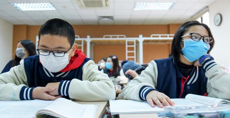 Bộ GDĐT đề nghị cho học sinh đi học trở lại từ 2/3. (Ảnh qua luatvietnam)