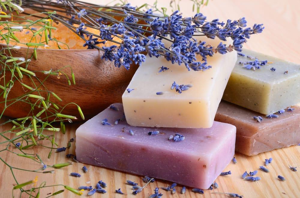 Các sản phẩm đến từ thiên nhiên thường tốt cho da hơn.