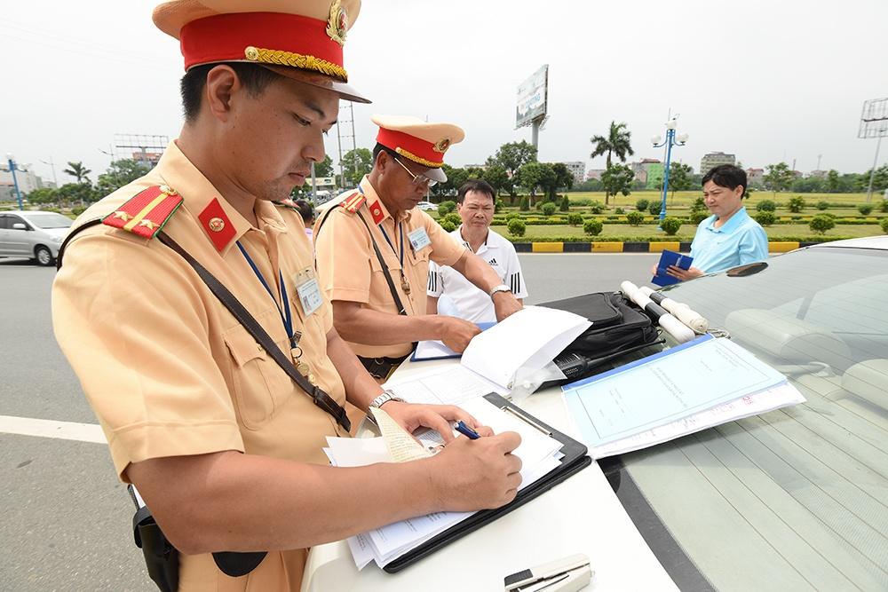 Thủ tướng Xuân Phúc đề xuất nộp tiền phạt vi phạm giao thông trực tuyến 4