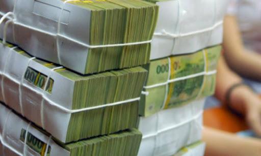 Người dân cần hạn chế dùng tiền mặt, hạn chế tiếp xúc, đến chỗ đông người... (Ảnh qua cafef)