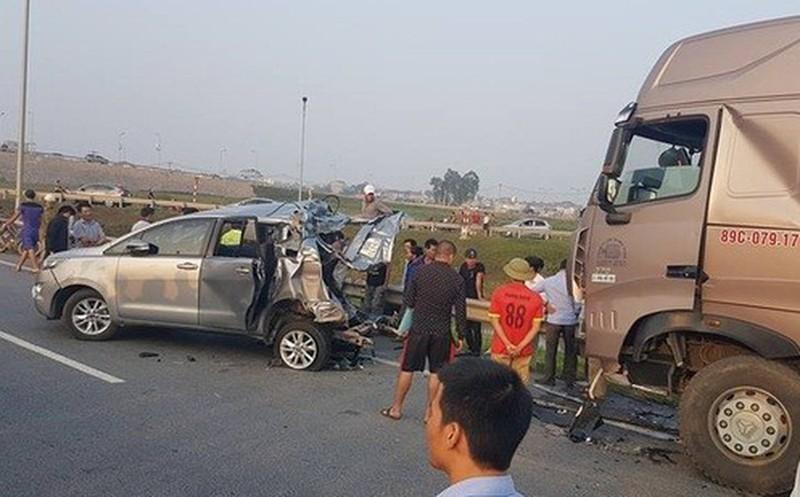 Tông xe Innova đi lùi trên cao tốc, tài xế bị tuyên phạt 4 năm 6 tháng tù