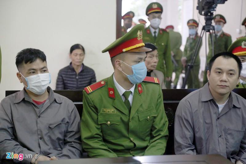 Tông xe Innova đi lùi trên cao tốc, tài xế bị tuyên phạt 4 năm 6 tháng tù - Ngô Văn Sơn và Lê Ngọc Hoàng
