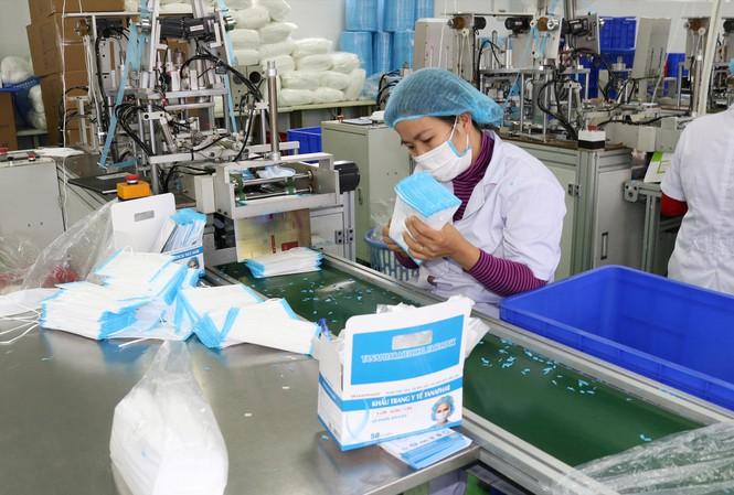 TP. HCM Sản xuất hơn 2 triệu khẩu trang mỗi ngày, đã bán đi đâu