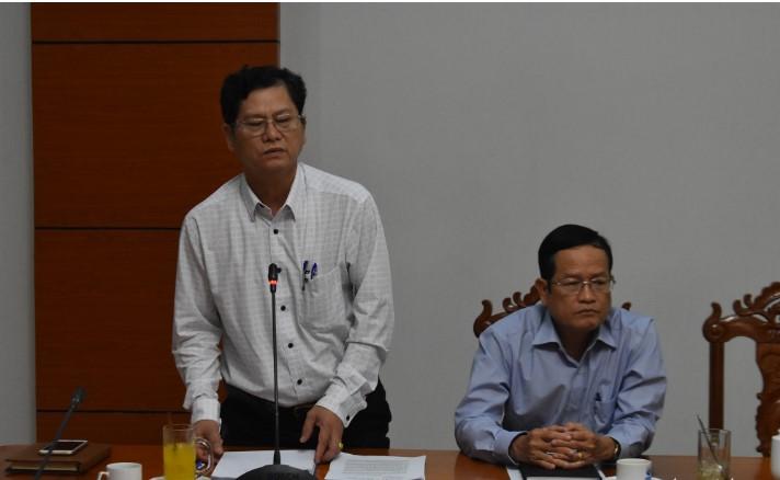 Ông Từ Quốc Tuấn - giám đốc Sở Y tế - phát biểu tại buổi họp khẩn với các ngành về phòng chống dịch bệnh viêm đường hô hấp do virus corona gây ra vào chiều 3/2. (Ảnh qua tuoitre)