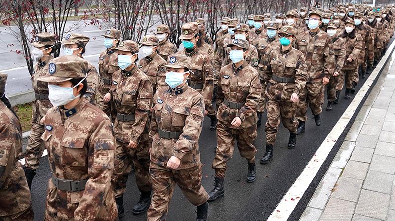 Bác sĩ trở thành tử sĩ? 2.600 nhân viên y tế quân đội được tiếp viện cho Vũ Hán (ảnh 1)