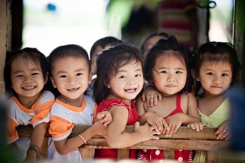 Trẻ dưới 18 tuổi có hệ miễn dịch khỏe mạnh hơn so với người lớn.