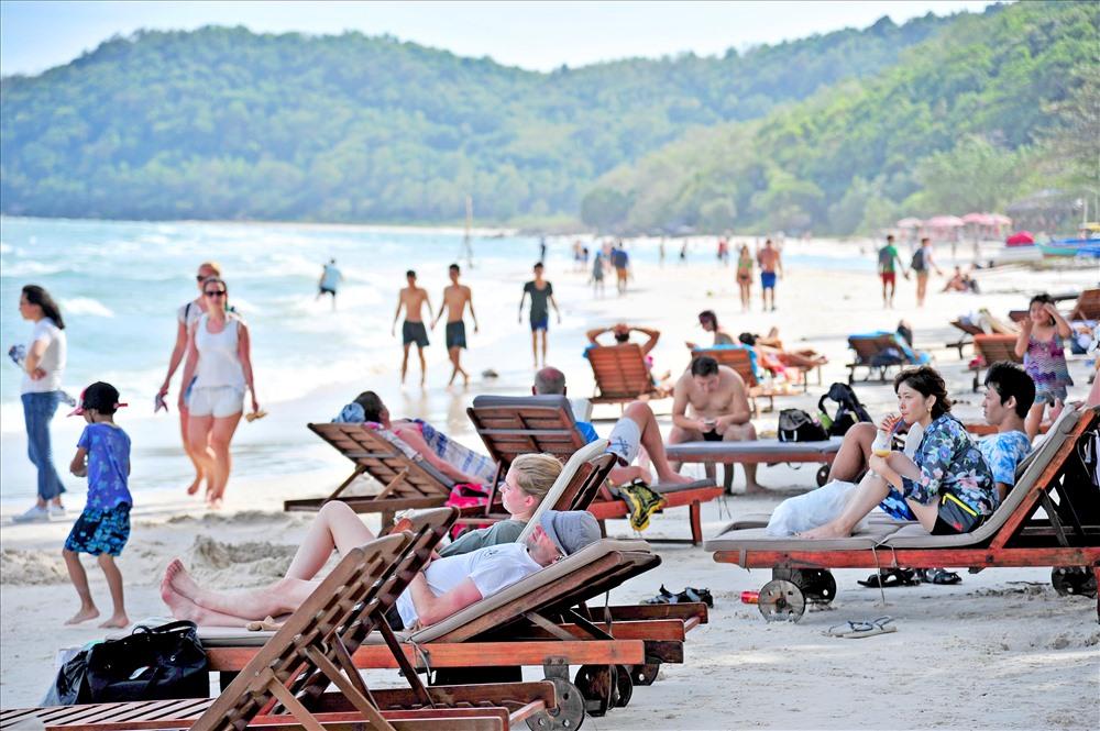 210 người tiếp xúc với ca nhiễm virus Vũ Hán thứ 54, Phú Quốc ngừng nhận khách du lịch 2 5