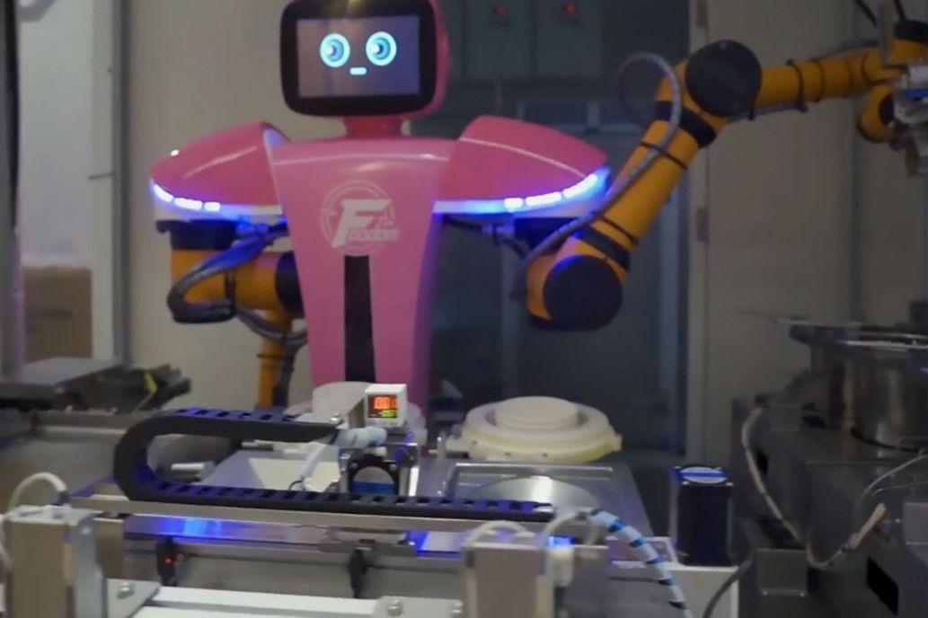 Bác sĩ chế tạo thành công 'Robot Việt Nam' phòng dịch virus Vũ Hán 3
