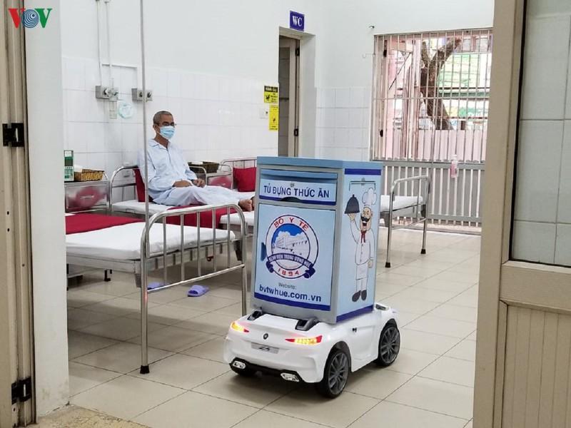 Bác sĩ chế tạo thành công 'Robot Việt Nam' phòng dịch virus Vũ Hán