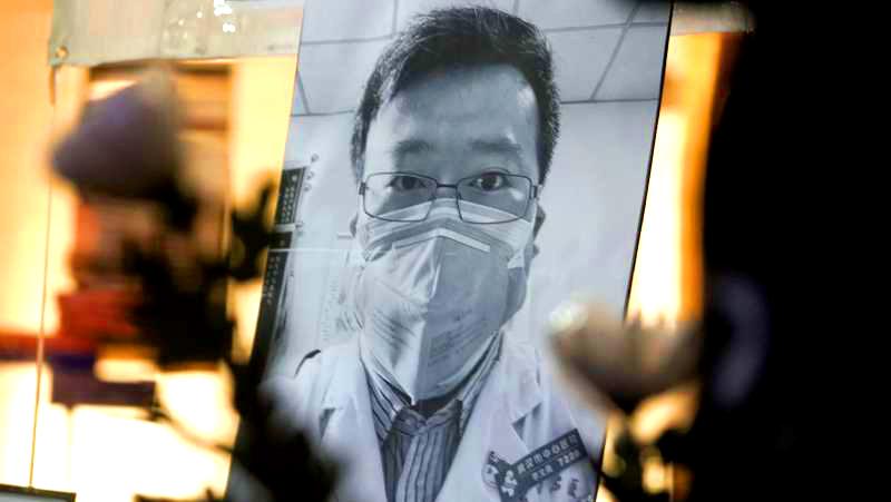 """Hàng chục nhân viên y tế bị nhiễm bệnh, Ủy ban y tế TP Vũ Hán vẫn tuyên bố """"chưa phát hiện"""" (ảnh 1)"""