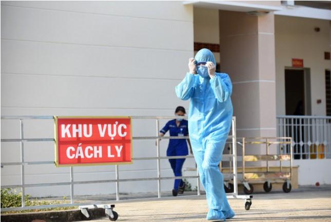 Bên trong khu cách ly của Bệnh viện dã chiến Củ Chi. (Ảnh qua tuoitre)