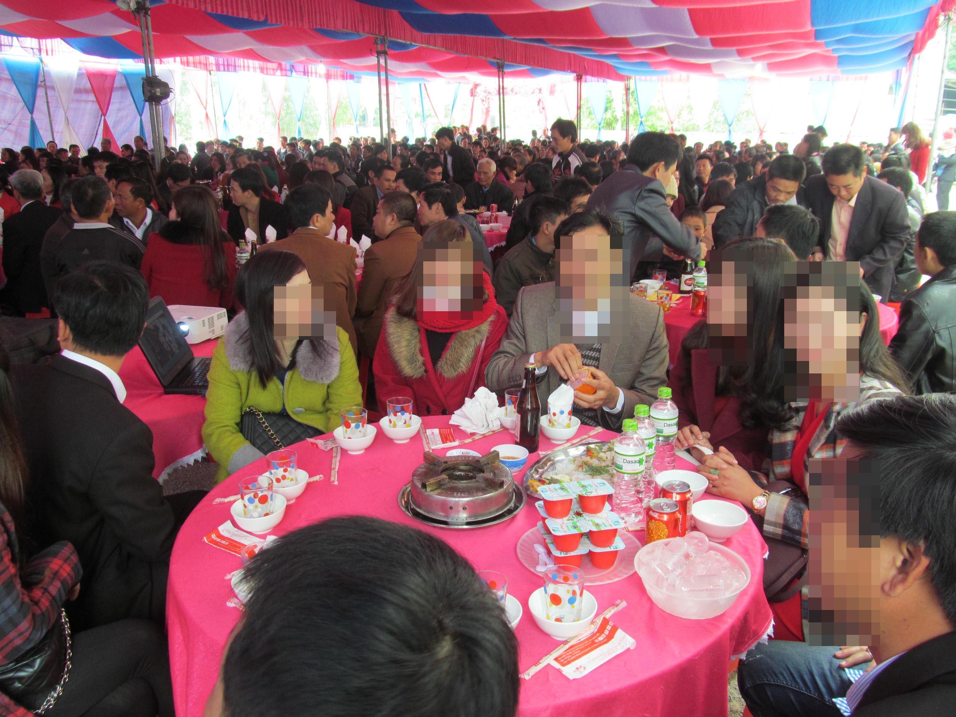 Ca nhiễm virus Vũ Hán thứ 61 Làm chủ hôn đám cưới, 2 lần dự thánh lễ trước khi nhập viện 4