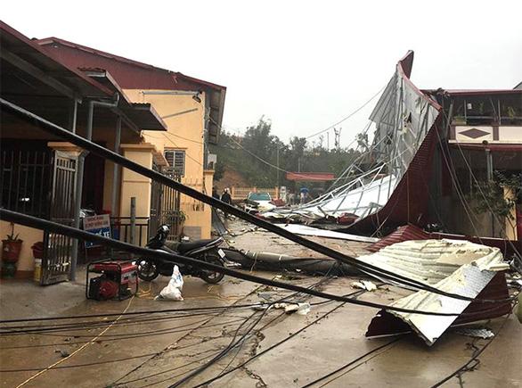 Các tỉnh phía Bắc 351 nhà bị sập, hơn 1.300ha cây trồng bị thiệt hại nặng nề do mưa đá