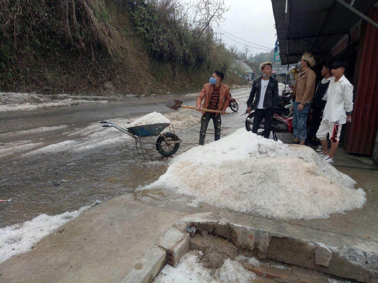 Các tỉnh phía Bắc 351 nhà bị sập, hơn 1.300ha cây trồng bị thiệt hại nặng nề do mưa đá 4