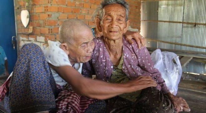 Bun Sen, trái và Bun Chea lần cuối nhìn thấy nhau vào năm 1973