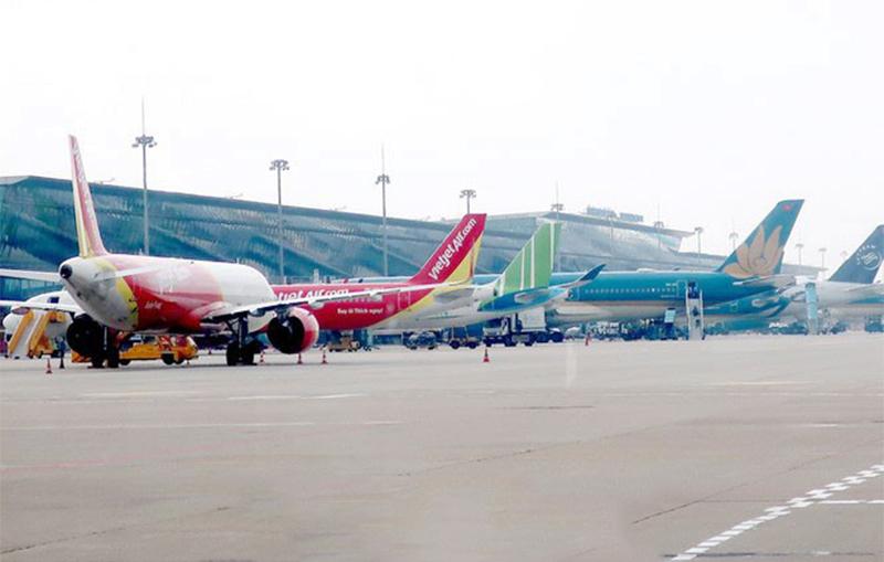 Hà Nội và TPHCM chỉ khai thác 3 đường bay nội địa mỗi ngày từ ngày 30/3. (Ảnh qua tienphong)