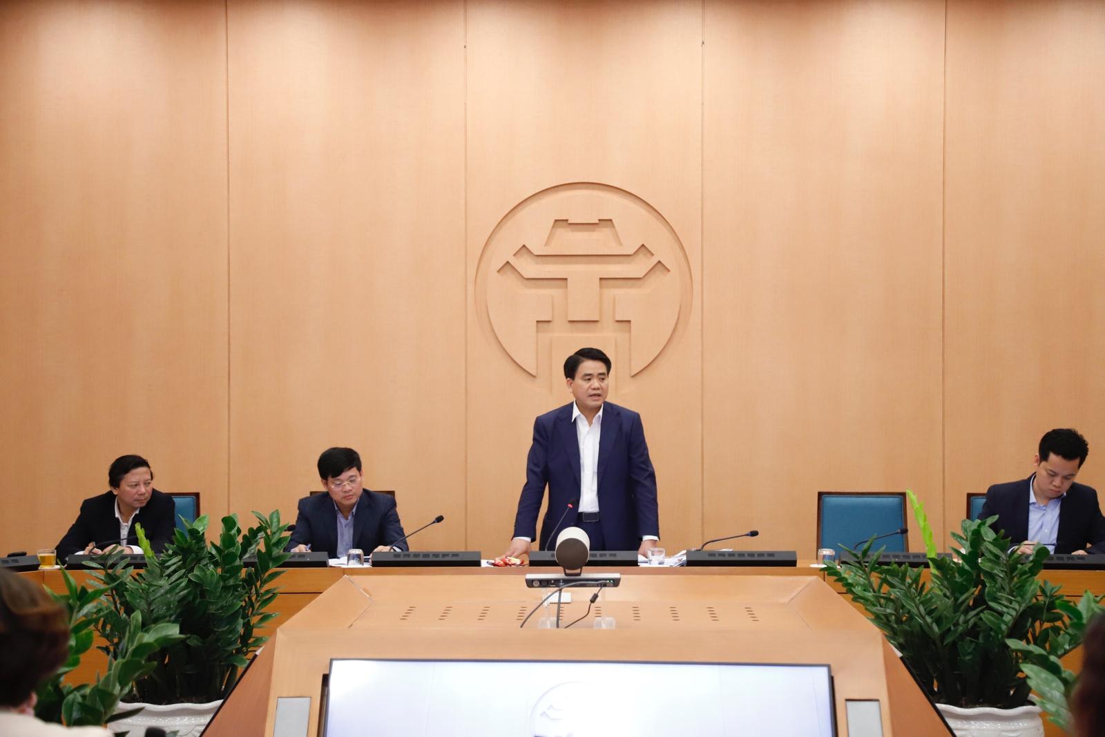 Ban Chỉ đạo phòng chống dịch bệnh viêm phổi Vũ Hán của TP. Hà Nội giao ban trực tuyến chiều 18/3. (Ảnh qua Zing)